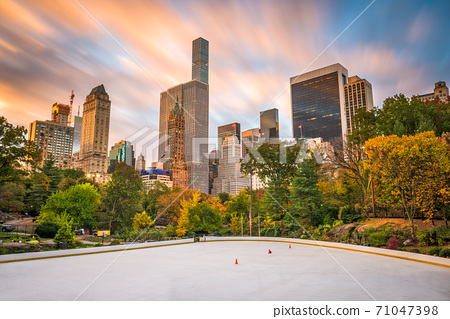 New York, New York, USA cityscape from Central Park 71047398