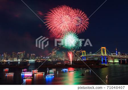 도쿄 _ 오다이바 크리스마스 불꽃 놀이 71048407