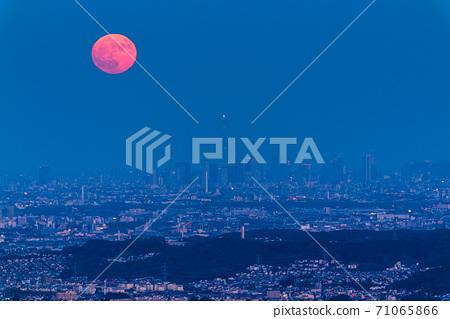 《東京》東京城市夜景,滿月之夜 71065866