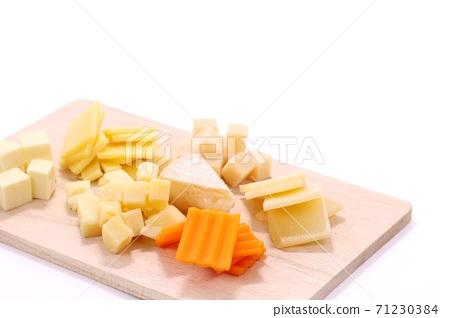 各種奶酪切塊,小吃,卡門培爾奶酪等 71230384
