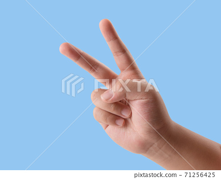 可愛的兒童手指動作 71256425