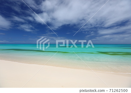 New Caledonia Ubea beach and sea 71262500