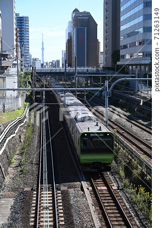 Yamanote Line 71263149