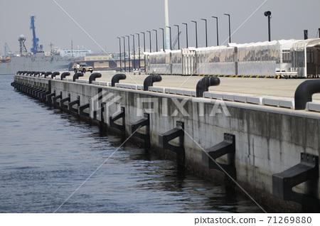 Wharf at Yokohama Shinko Wharf 71269880
