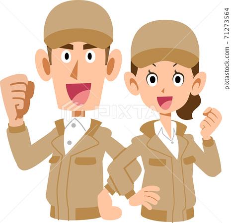 穿著米色工作服的男女上半身背靠背擺姿勢 71273564