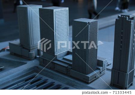 모형의 빌딩 군 71333445