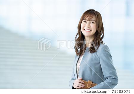 女商人 71382073