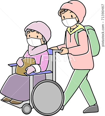 재해에 빨리 휠체어 대피소에 대피하는 노인 71390467