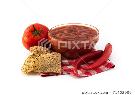 Spicy chili sauce in bowl 71402900