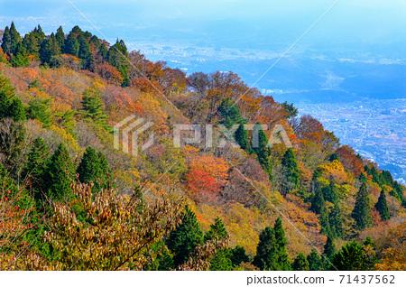 야마토 葛城山에서 나라 분지 쪽을 촬영 한 가을의 풍경 71437562