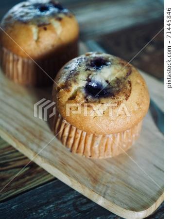 손수만든 블루베리 머핀, 컵 케잌  71445846