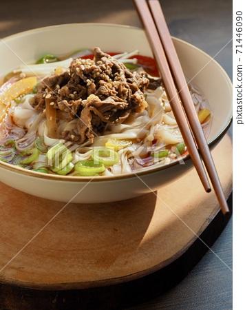 아시아 음식 소고기 쌀국수  71446090