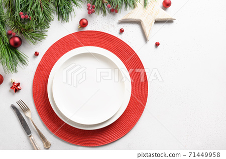 Christmas table setting with white decorations 71449958