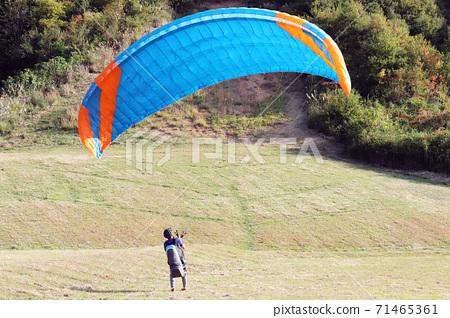 Paragliding experience flight (Tamba City, Hyogo Prefecture) 71465361