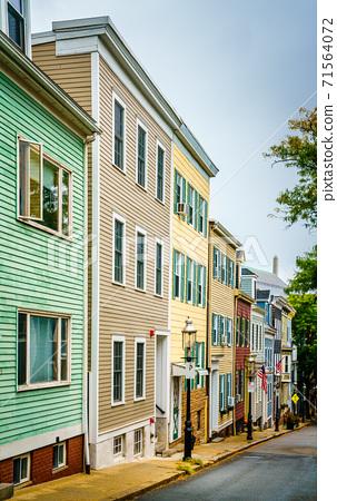Bunker Hill in Boston 71564072