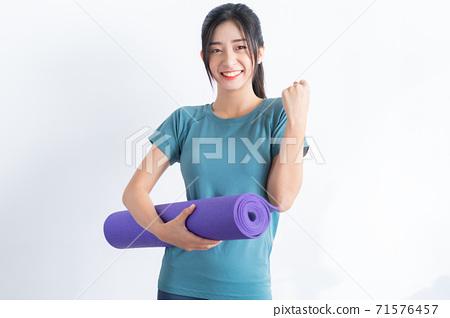 Woman fitness 71576457