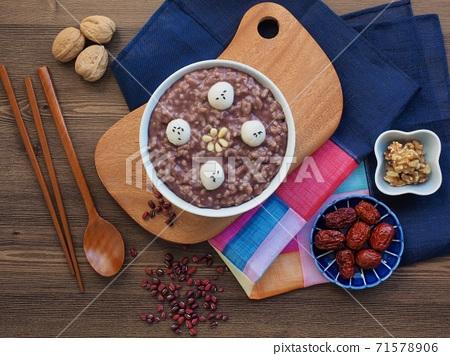 韓國傳統食品紅豆粥 71578906