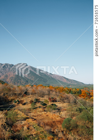 Tongdosa temple mountain panoramic view at autumn in Yangsan, Korea 71658575