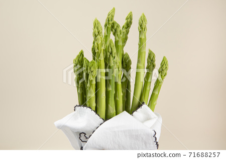 Close up of fresh green asparagus 130 71688257