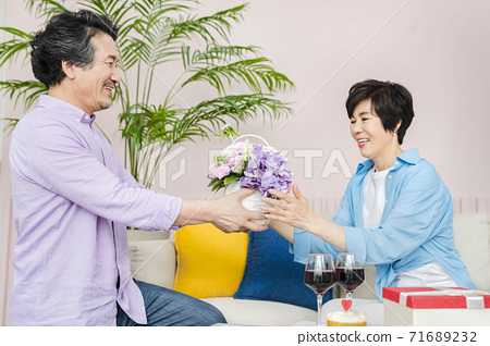 Happiness people lifestyle, Asian senior couple 302 71689232