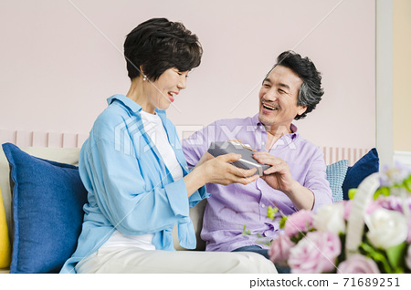 Happiness people lifestyle, Asian senior couple 310 71689251