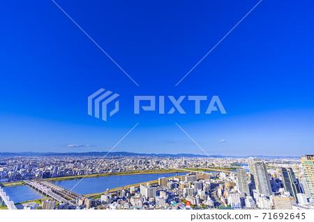 오사카 키타 도시 경관 71692645