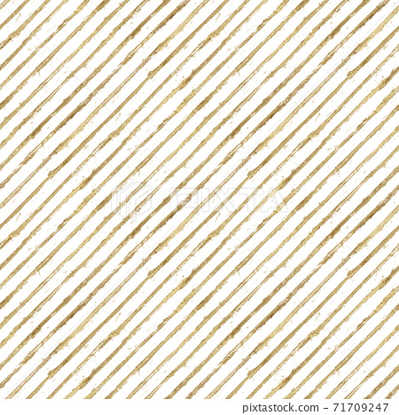 Abstract grunge seamless pattern with golden glittering acrylic paint diagonal stripes on white background 71709247