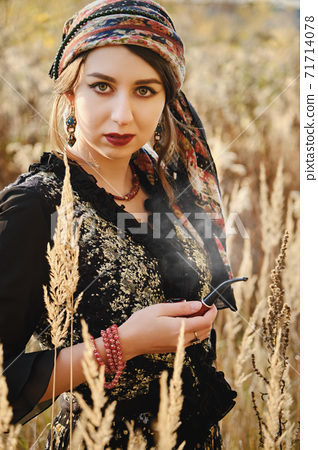 young gypsy woman 71714078