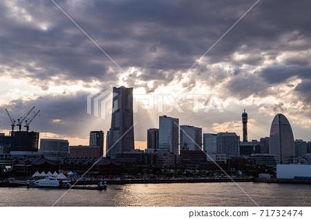 橫濱港未來日落 71732474