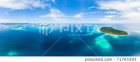Aerial 71765893