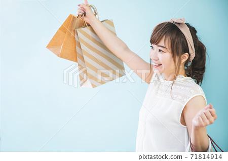 쇼핑 쇼핑하는 여성 71814914
