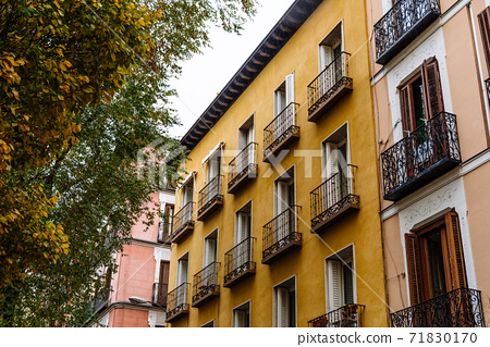 Old residential buildings in central Madrid, Malasana 71830170