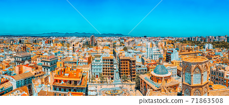 Panoramic view  of Valencia, is the capital of the autonomous co 71863508