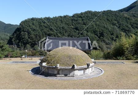 한국의 전통 무덤 71869770