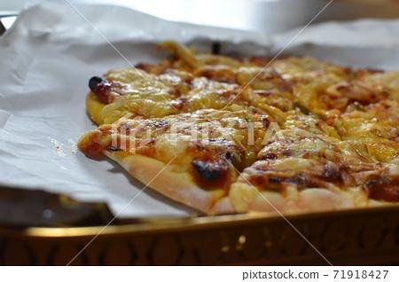 수제 피자 오늘의 점심 식사 71918427