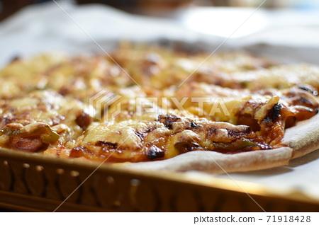 수제 피자 오늘의 점심 식사 71918428