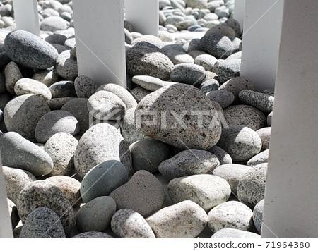 石頭光影 71964380