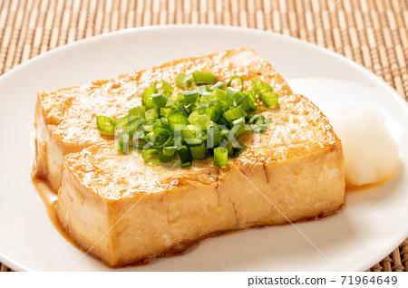 豆腐牛排。 (蔥) 71964649