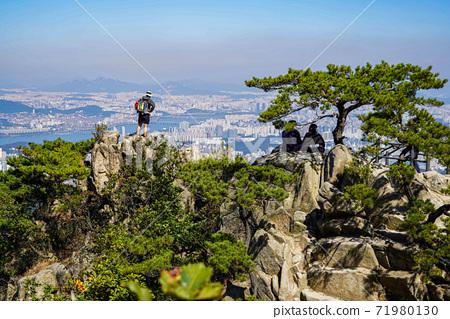 한국 서울시 관악구 과천시 관악산 전경 71980130