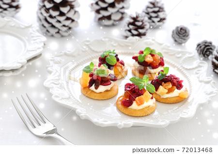말린 과일과 크림 치즈 카나페 72013468