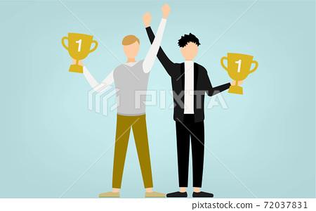 一個男人手裡拿著獎杯而高興 72037831