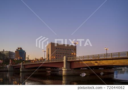 이른 아침의 구시 幣舞 다리 아침 놀 홋카이도 구시로시 72044062