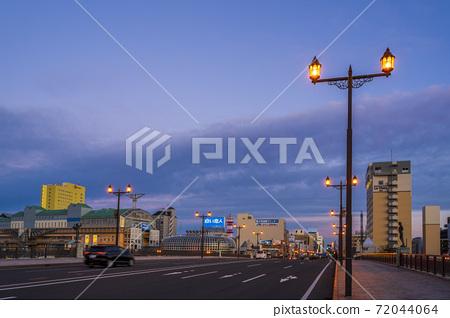 이른 아침의 구시 幣舞 다리 아침 놀 홋카이도 구시로시 72044064