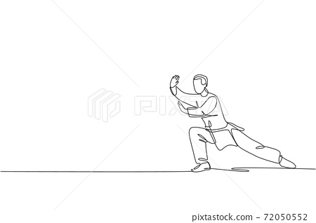 Single continuous line drawing of young man wushu fighter, kung fu master in uniform training tai chi stance at dojo center. Fighting contest concept. Trendy one line draw design vector illustration 72050552