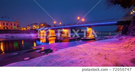 uzhhorod on a christmas night 72050747