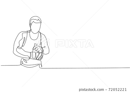 One continuous line drawing of young sporty man kickboxer athlete wrap a strap bandage to prepare a fighting at gym center. Combative sport concept. Dynamic single line draw design vector illustration 72052221