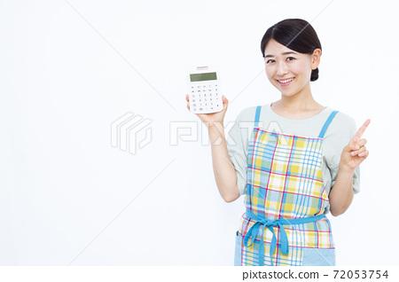 30年代家庭主婦白色背景畫像 72053754