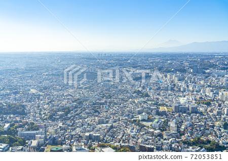 [가나가와 현] 날씨가 맑아 요코하마의 거리와 희미하게 보이는 후지산 72053851