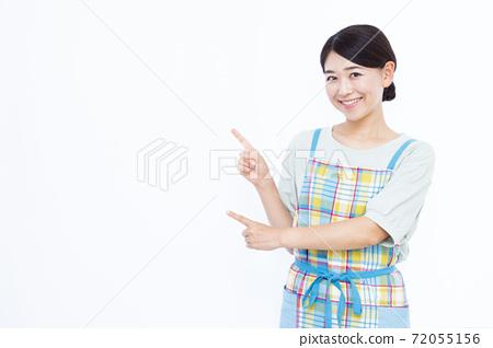 30年代家庭主婦白色背景畫像 72055156