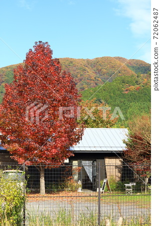 Mountain cafe 72062487